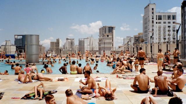 Schwimmbad im 13. Stock- Dachterasse des SESC 24 de Maio, São Paulo © Ciro Miguel 2018