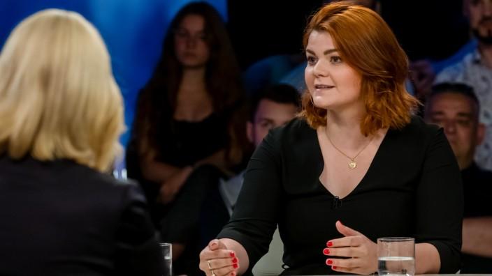 Sophie Passmann bei Maybrit Illner