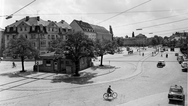 Stationshaus am Romanplatz 1960