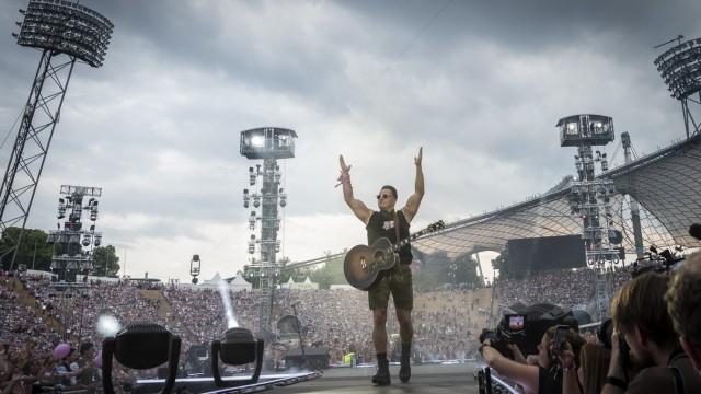 Andreas Gabalier beim Konzert im Münchner Olympiastadion.