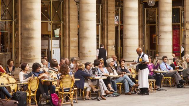Outdoor Cafe Le Nemours in Place Colette Paris France PUBLICATIONxINxGERxSUIxAUTxONLY Copyright