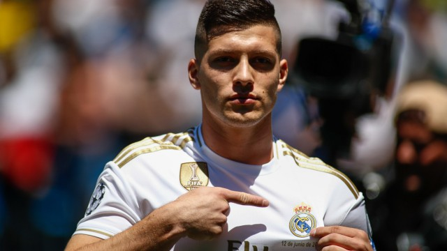 Jovic bei Real Madrid vorgestellt