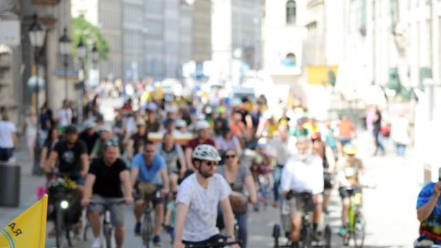 """""""Münchner Kidical Mass"""" fordert sicheres Radfahren für Kinder in München, 2019"""
