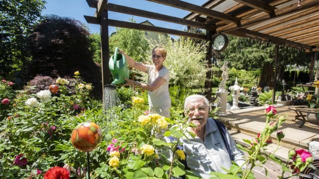 Grünwald, Tag der offenen Gartentür, der Garten von Rolf Wanniger, 98, und Luise Piltz,
