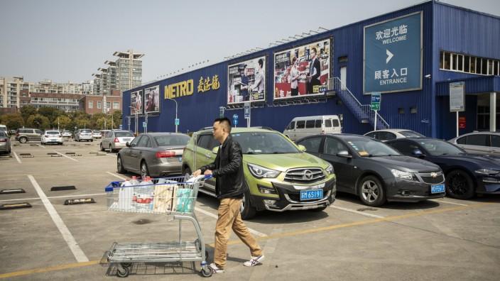 Metro's $1.5 Billion China Sale Said to Draw Tencent, Citic