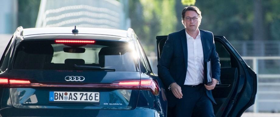 Andreas Scheuer beim Spitzentreffen zur Zukunft der Autoindustrie