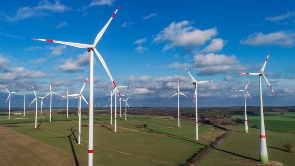 Windiges Wetter: Mehr erneuerbare Energien im Stromnetz