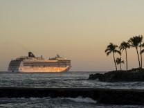 Glint Of Sunset On The Cruise Ship Ms Pride Of America Norwegian Cruise Line Off Kailua Kona Kailu