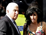 Amy Winehouse, Eltern, Mitch Winehouse; AFP