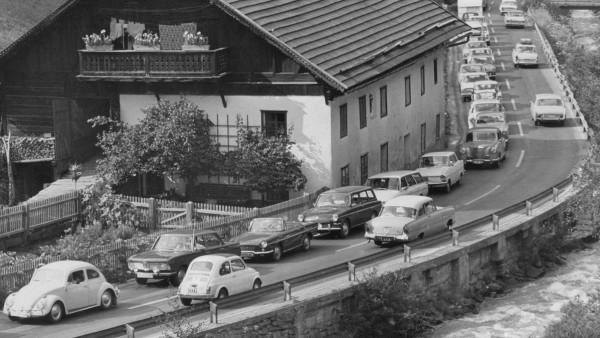 Urlaubsverkehr auf der Brennerpassstraße, 1966