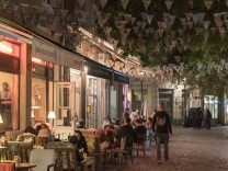 Kreativquartier Kapana Strassencafe im Abendstimmung im Kreativquartier Kapana in Plowdiw 25 10 201