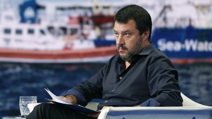 Italiens Innenminsiter Salvini spricht in TV-Sendung