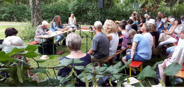 """Lesung von """"Kuckuckssohn"""" mit Ingrid Zellner und Simone Dorra"""