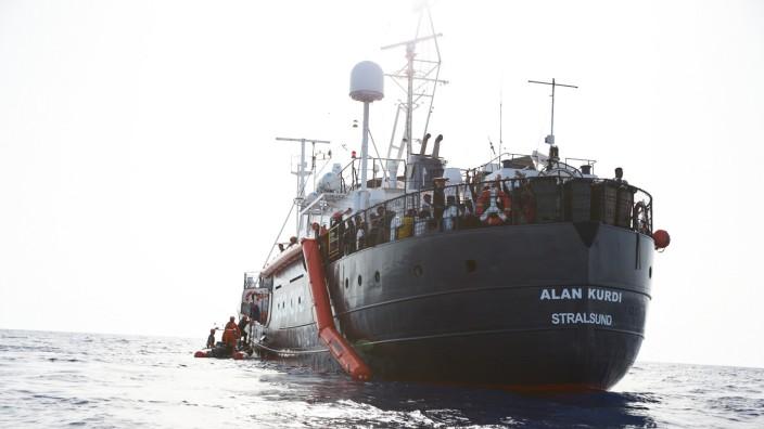 Rettungsschiff 'Alan Kurdi' rettet Flüchtlinge vor Libyen