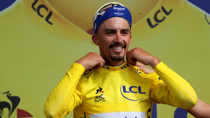 Tour de France - The 215-km Stage 3 from Binche to Epernay