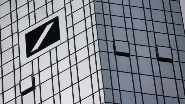 FILE PHOTO: The Deutsche Bank headquarters are seen in Frankfurt