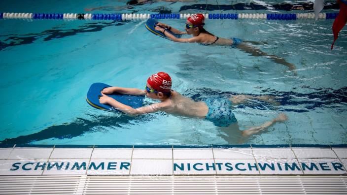 Start der Aktionswoche 'Bayern schwimmt'