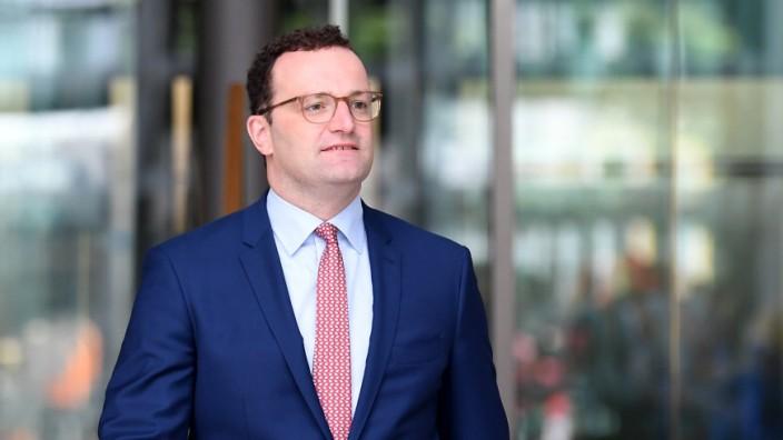 Bundesgesundheitsminister Spahn stellt drei Gesetzentwürfe vor