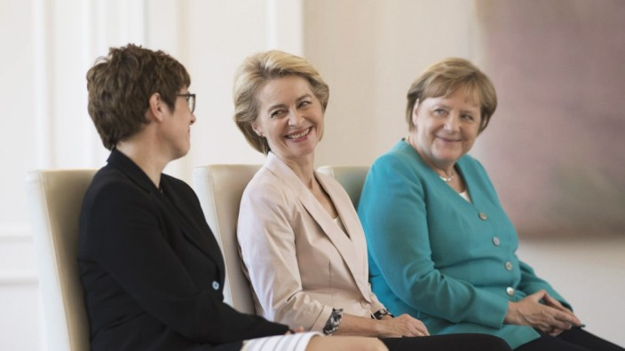 DEU Deutschland Germany Berlin 17 07 2019 V l n r CDU Chefin Annegret Kramp Karrenbauer EU Ko