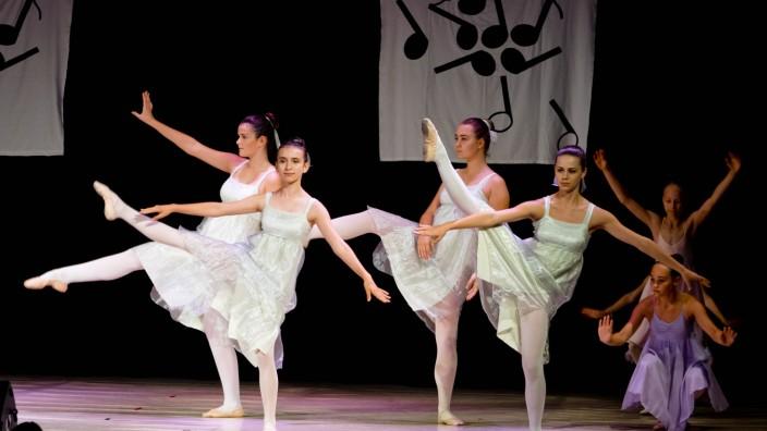 Dancing Feet Ballet Grafing