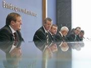 Wirtschaftsforscher in der Bundespressekonferenz, Foto: dpa