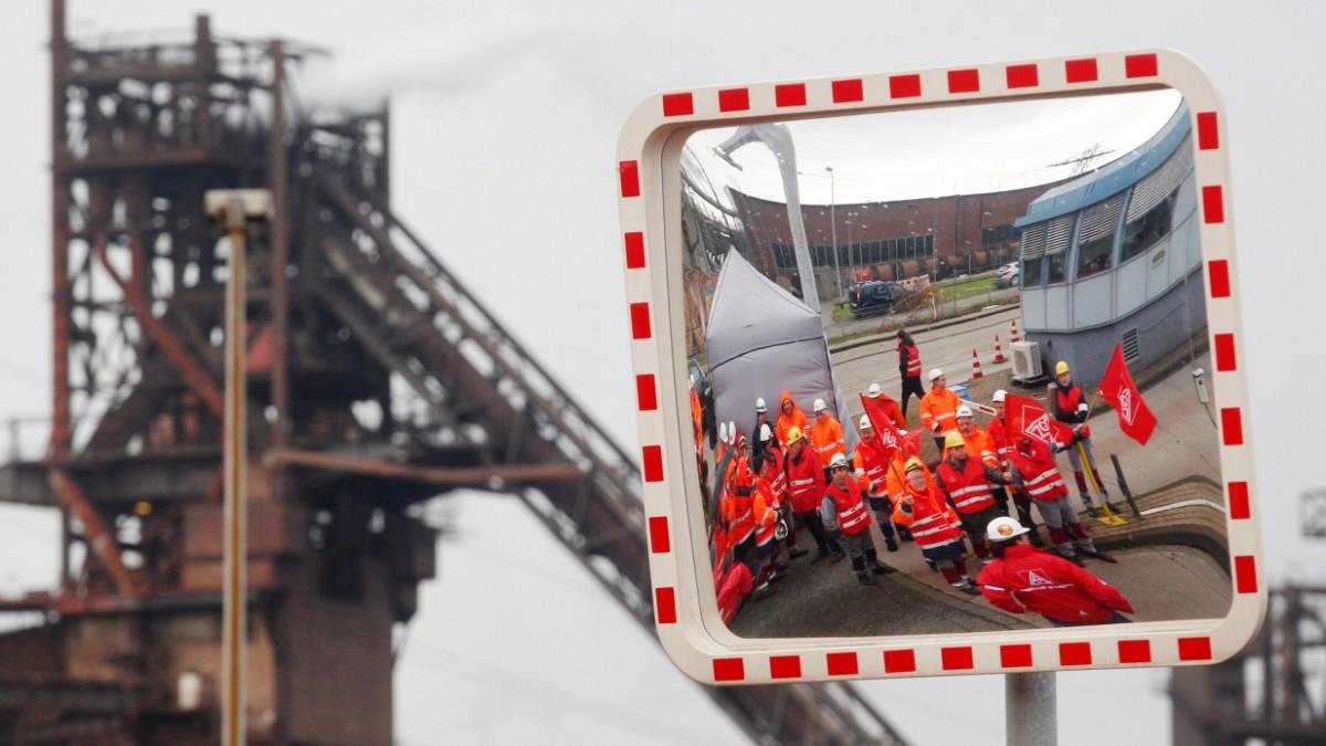Arbeitgeber drohen der IG Metall