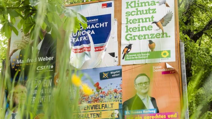Wahlplakate nach der Europawahl in Unterhaching, 2019