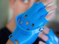 Design Crocs-Handschuhe, die wohl überflüssigste Erfindung der Welt
