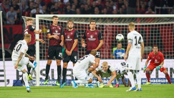 Sport Bilder des Tages Sonny KITTEL HSV 10 scores shoots goal for 0 2 1 FC NUREMBERG HAMBURGER