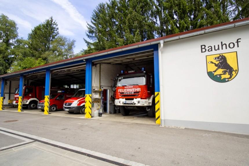 Die Fahrzeuge der Feuerwehr sind vorübergehend im Bauhof untergebracht.