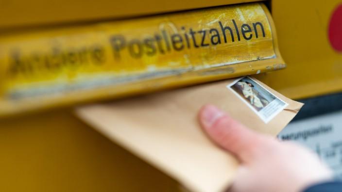 Briefkasten der Post - Brief