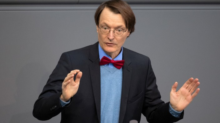 Lauterbach fordert Null-Promille-Grenze für E-Scooter-Fahrer