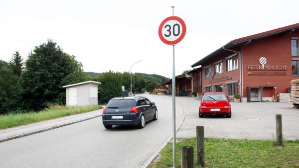 Wieder Tempo 30 in der Mühlbachstraße; Wieder Tempo 30 in der Mühlfeldstraße