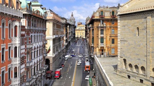 Wlochy Liguria Genua ulica Via XX Settembre widok w kierunku placu Piazza de Ferrari Italy