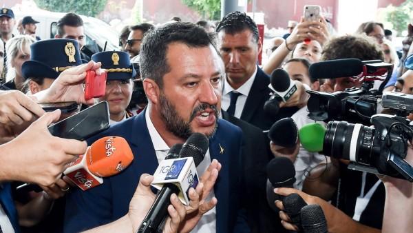 Lega-Chef Matteo Salvini bei einer Pressekonferenz in Mailand
