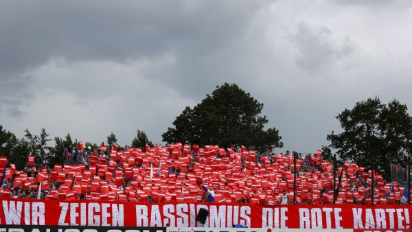 SV Drochtersen Assel v FC Schalke 04 - DFB Cup