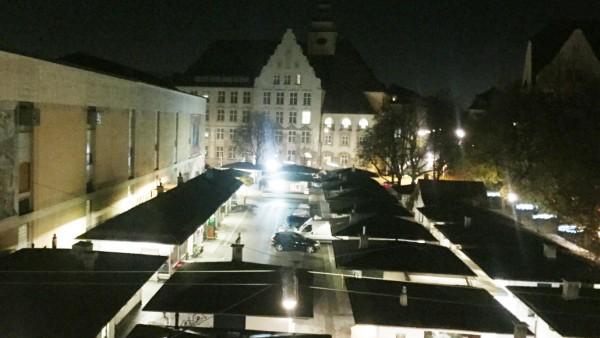 Über nächtliches Feiern beschweren sich Anwohner, deren Häuser dicht am Elisabethmarkt liegen.