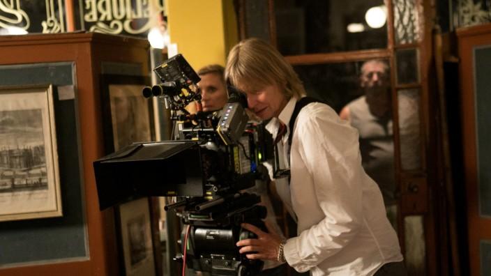 Dreharbeiten für den Film: Als Hitler das rosa Kaninchen stahl. In einem Laden in der Schellingstraße 17.