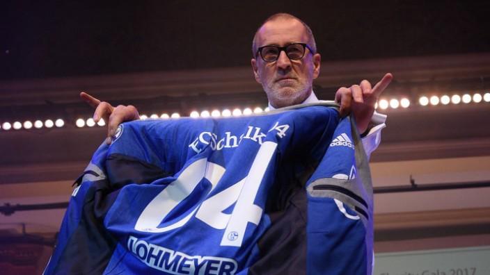 11 11 2017 Frankfurt am Main Palmengarten Charity Gala Kleider machen Leute VIP Modenschau mit Scha; Peter Lohmeyer tritt bei  Schalke aus