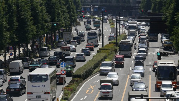 Straßenverkehr in Japan