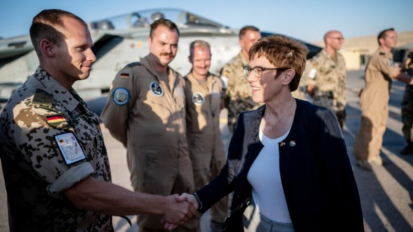Verteidigungsministerin Kramp-Karrenbauer in Jordanien