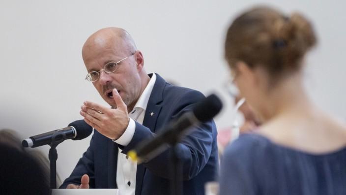 Jugend debattiert mit Landtagswahl-Spitzenkandidaten