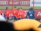 Erstes Bayern-Training von Coutinho vor vielen Fans (Vorschaubild)