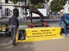Wolfsmensch mit Hitlergruß - Künstler demonstriert gegen AfD (Vorschaubild)