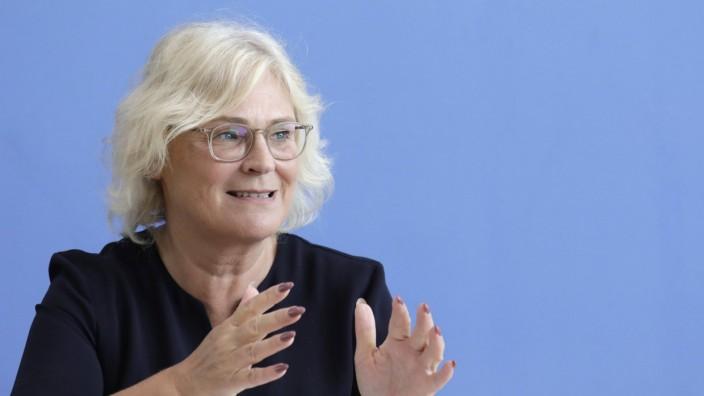 Christine Lambrecht Bundesministerin der Justiz und fuer Verbraucherschutz SPD PK im Rahmen der