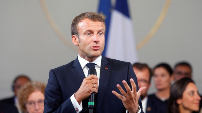 French President Emmanuel Macron delivers a speech during the G7 summit in Paris