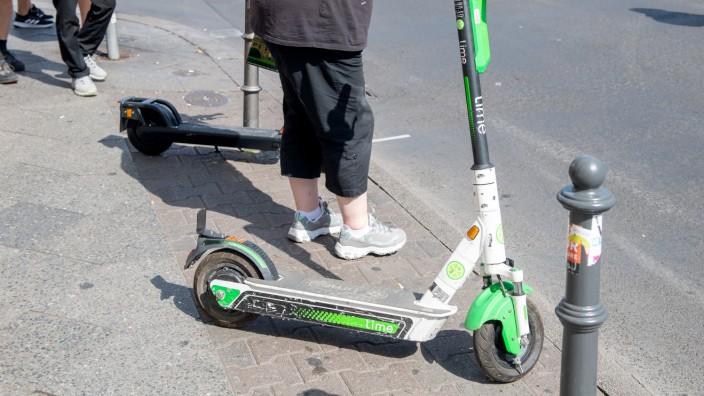 E-Scooter: Beim Parken an Sehbehinderte denken