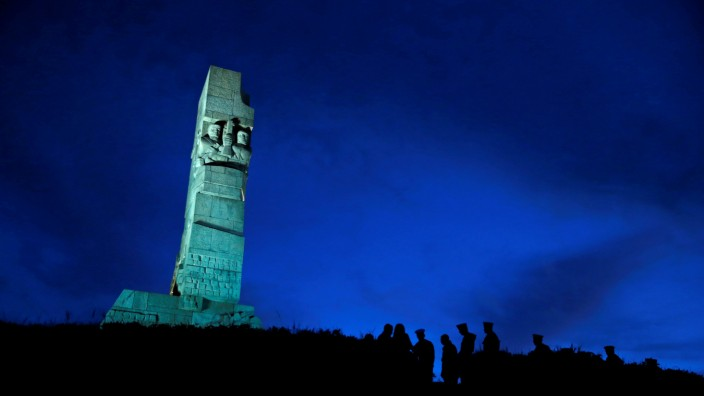 FILE PHOTO: Soldiers of the Polish Navy take part in a ceremony marking the 75th anniversary of Nazi Germany's invasion of Poland, at the World War Two Westerplatte Memorial in Gdansk