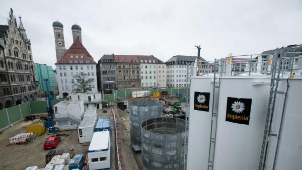 Großbaumaschinen Marienhof auf der Baustelle der 2. Stammstrecke.