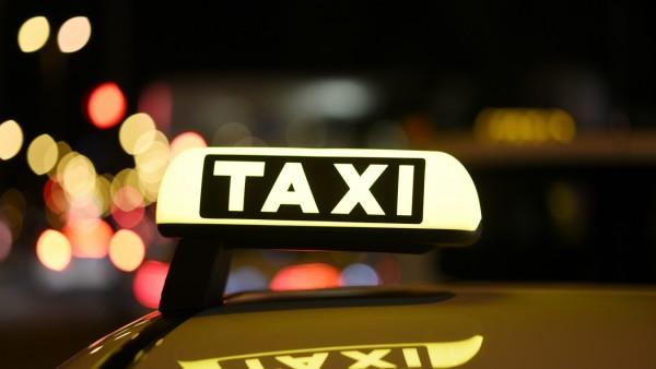 Nächtliche Taxifahrt in München, 2019
